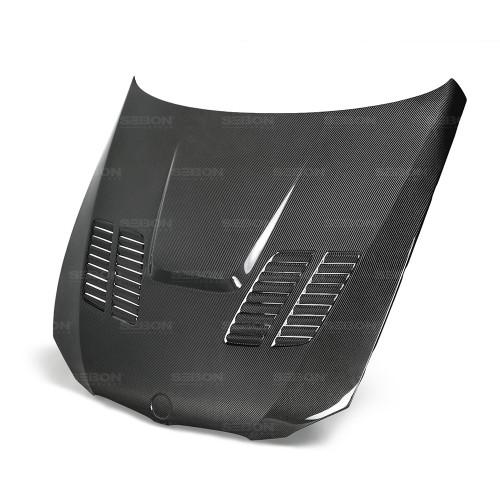 2013年宝马E92 M3双门FROZEN LIMITED EDITION的GTR款式碳纤维发动机盖
