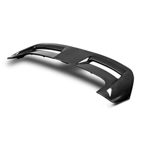 2012-2014年福特福克斯两厢的碳纤维尾翼*