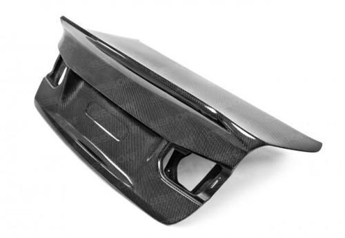 2012-2018年宝马F30 3系 / F80 M3四门的CSL款式碳纤维后备箱 (无车标款)